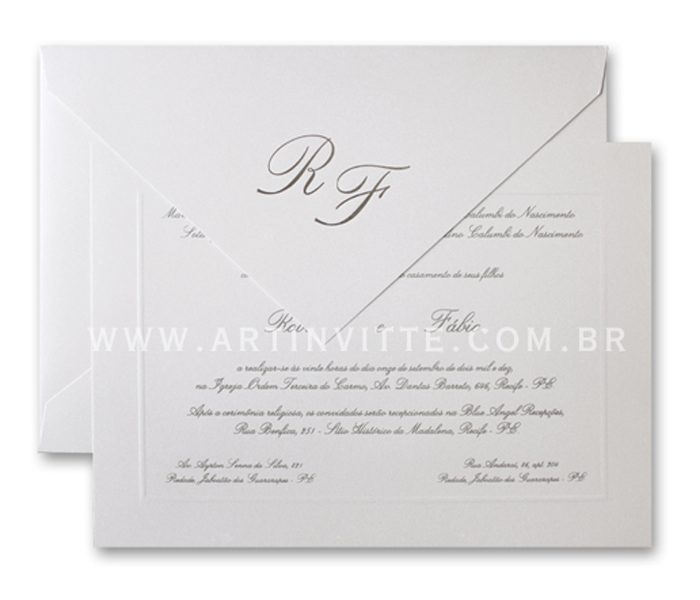 Convite de casamento - Toronto 21x29 Convite em papel Color Plus Metal Aspen com impressão em relevo americano prata e Envelopo de Bico no mesmo papel com iniciais em Hot Stamping Prata.
