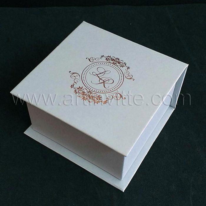 Caixas para padrinhos 006, gravata, taças, doces