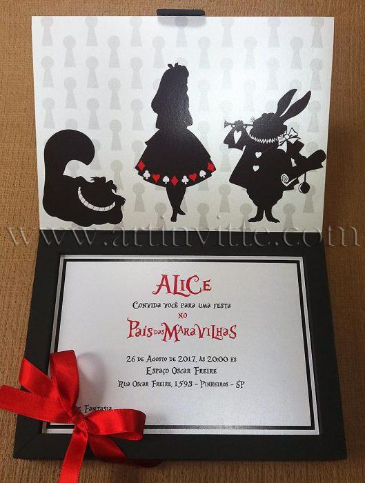 Convite caixa 15 anos com tema Alice no pais das maravilhas