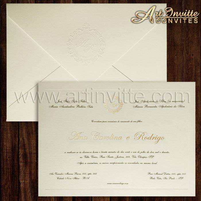 convite de casamento tradicional Veneza 136 com nomes e brasão em relevo metálico