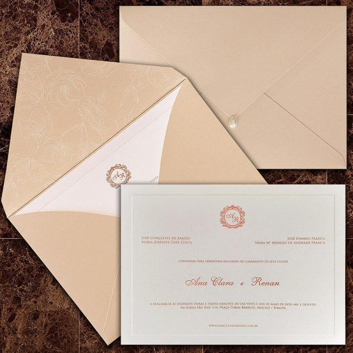 Convite de casamento clássico com envelope em papel rosê