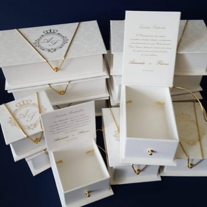 Kit de caixas para padrinhos com diversos tamanhos e formatos